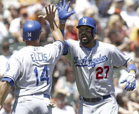 Matt Kemp and the Dodgers had an easy day with the giants.
