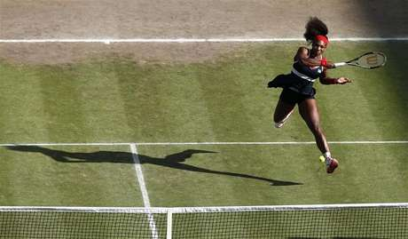 Serena Williams of the U.S. shakes hands with Belarus' Victoria Azarenka (L) after defeating her in their women's singles tennis semi-final match at the All England Lawn Tennis Club during the London 2012 Olympic Games August 3, 2012.