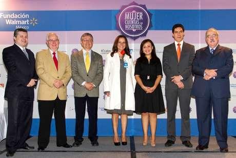 Fundación Walmart de México y aliados darán capacitación a 25,000 mexicanas para iniciar un negocio o para mejorar su grado académico.