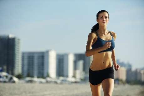 Alguns alimentos e hábitos podem ajudar a secar a barriga Foto: Getty Images