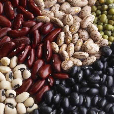 Feijões: um estudo realizado com idosos na Austrália, Japão, Suécia e Grécia, os pesquisadores descobriram que as pessoas que comiam 20 gramas de feijão diariamente tinham as chances de morte diminuídas em 8%. Uma dieta rica em ácidos graxos evita o desenvolvimento do câncer, defende uma pesquisa da Michigan State University Foto: Getty Images