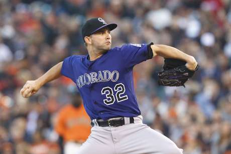 Tyler Chatwood helped lead the Rockies to the victory over San Francisco.