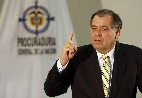 El procurador Alejandro Ordóñez acató el fallo que lo obligaba a rectificarse de sus declaraciones sobre el aborto y el uso de métodos anticonceptivos, pero anunció que pedirá la nulidad de la tutela que lo ordenó.
