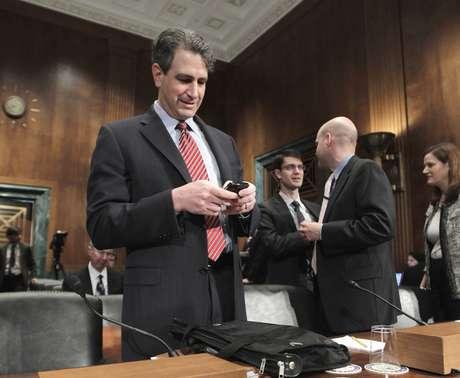 """Tras el fracaso de """"Rápido y Furioso"""" el subsecretario del fiscal general en la División Criminal, Jason Weinstein, presentó su renuncia."""