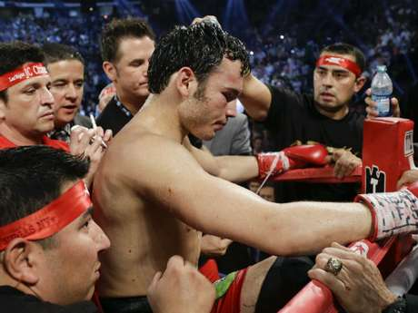 """Chavez Jr. lost his middleweight title to Sergio """"Maravilla"""" Martinez."""