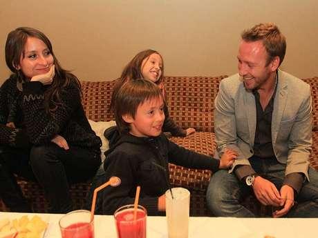 Martín su esposa Carolina y sus hijos Alfonsina y Luciano esperan ansiosos la pronto llega del nuevo integrante de la familia.