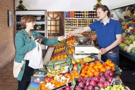 Los alimentos sin pesticidas son más saludables, pero también más caros.
