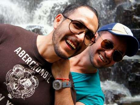 Bibiano Arias (lado derecho en la foto) se casó legalmente en la Ciudad de México luego de 9 años de noviazgo con su pareja.