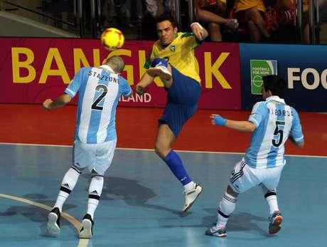 """Herói do Brasil, Falcão vê vitória contra a Argentina como """"histórica"""""""