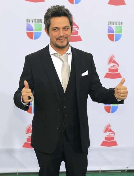 Spanish singer Alejandro Sanz arrives at the 13th Latin Grammy Awards in Las Vegas, Nevada, November 15, 2012.