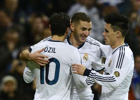Real Madrid cruised to an easy victory against a struggling Bilbao side.