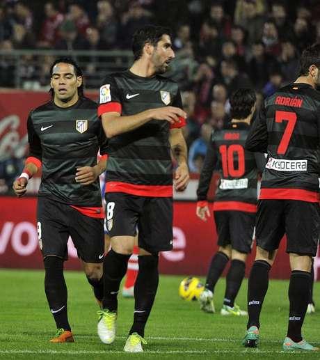 Los Colchoneros llegaron a 31 puntos y siguen a tres puntos de los Catalanes.