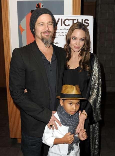 Hijos de Brad y Angelina les presionan para que se casen
