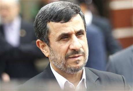 Iran's President Mahmoud Ahmadinejad leaves after a meeting with Vietnam's National Assembly's Chairman Nguyen Sinh Hung in Hanoi November 10, 2012.