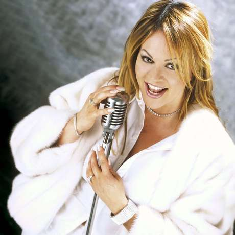 """Jenni Rivera lived her music, singing with incredible conviction and catharsis every time she hit the stage. Take a look at this soundtrack of songs that relate the late regional mexican stars life.<br /><br />""""<strong>Cuando muere una dama"""" - Death</strong>. Jenni Rivera, who died in a plane accident on December 9, 2012, released this song in 2005, which explains what the singer's final wishes were she to die and how """"La Diva de la Banda"""" wanted her funeral to be."""
