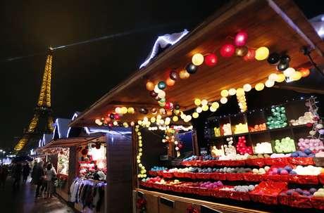 Durante estos días, estarán montados diversos establecimientos para comprar comida, adornos y accesorios alusivos a la Navidad.