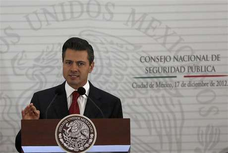Mexico's President Enrique Pena Nieto delivers a speech during the II Extraodinary Session of the National Council of Public Security in Mexico City December 17, 2012.