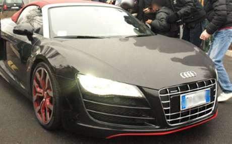Éste es el auto de Javier, valuado en 200 mil euros.