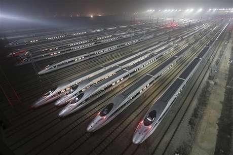 A China inaugurou nesta quarta-feira a linha de trem mais rápida do mundo ligando Pequim à metrópole de Guangzhou no sul do país. REUTERS.