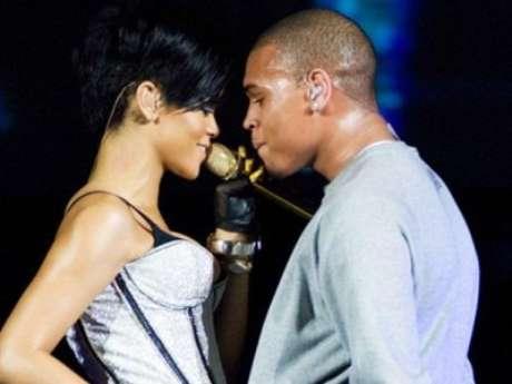 Chris Brown y Rihanna se comprometerán en el 2013, según predice el medium Blair Robertson