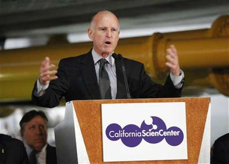 California Governor Jerry Brown speaks at a news conference in Los Angeles, California in this file photo taken August 28, 2012. California's economy is on the mend, but Governor Brown is expected to take a cautious approach to spending when he unveils his state budget plan on Thursday.