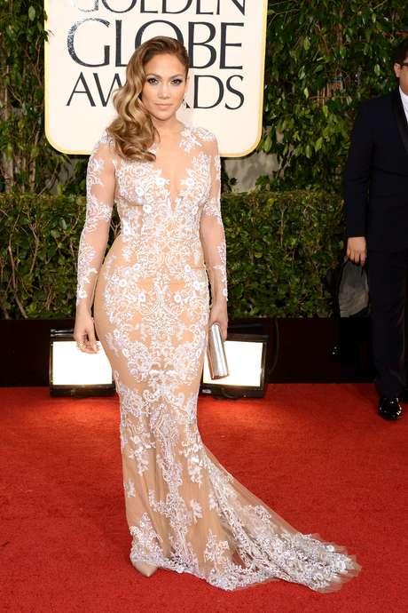 Jennifer Lopez dejó a todos atónitos por su vestido y por la forma de sus curvas