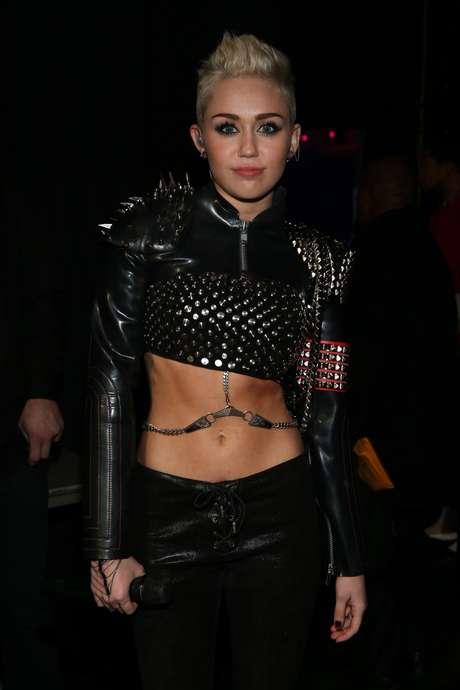 Miley Cyrus quiere besar a Katy Perry