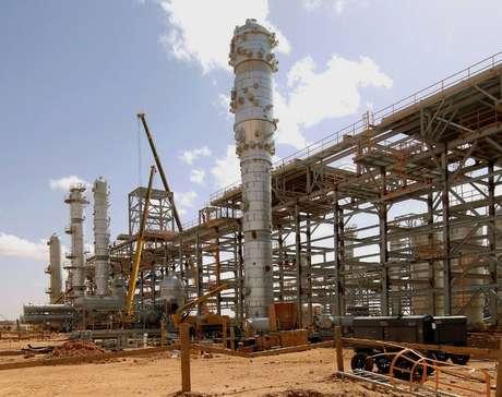 Imagem de arquivo mostra o campo de gás e petróleo In Amenas, na Argélia, alvo de uma milícia islâmica Foto: AFP