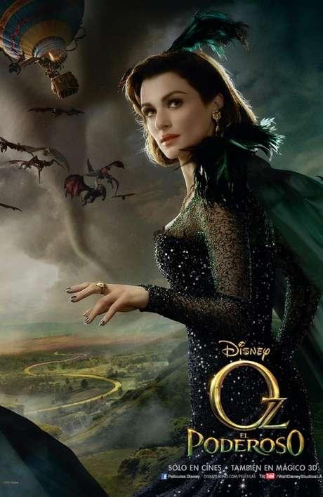Rachel Weisz da vida a 'Evanora', la malvada bruja del Este, quien desea el control total de la Tierra de Oz y trata de conseguirlo con ayuda de sus monos alados.<br />