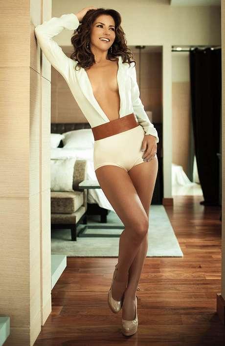 Alessandra Rosaldo explotó su lado más sensual sin necesidad de desnudarse.
