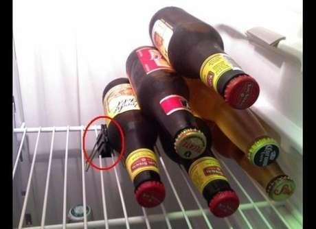 Estas ideas son las maneras más originales (y raras) de tener todo en orden. ¿Nunca logras aplicar las cervezas en el refri? Con un pequeño clip tendrás la solución<br />