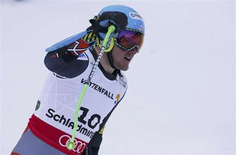 Aksel Lund Svindal of Norway skis during the men's Downhill race at the World Alpine Skiing Championships in Schladming February 9, 2013.