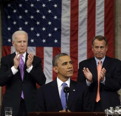 <p>Barack Obama fez seu discurso à frente do vice-presidente Joe Biden e do deputado John Boehner, presidente da Câmara dos Representantes</p>