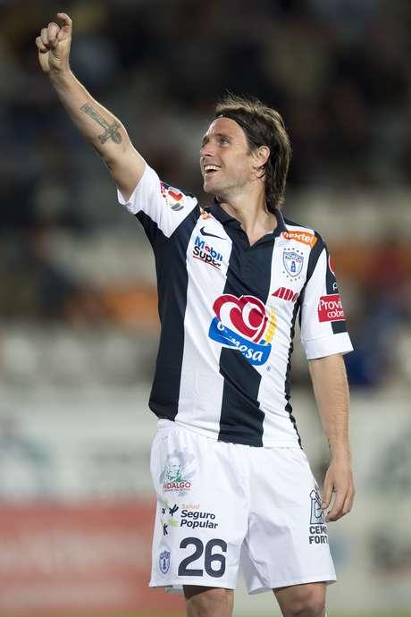 Fernando Cavenaghi ya se estrenó como goleador Tuzo.