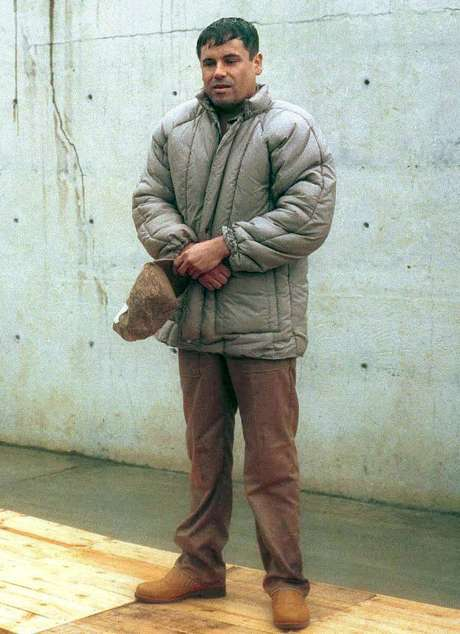 """<p>""""El Chapo"""" Guzmán está en todas partes. No es ese sujeto que está encerrado, escondido en la sierra: va de vacaciones a Mazatlán, a Los Cabos, a Guadalajara... No es que esté en la cima de una montaña donde nadie lo pueda ver"""": Anabel Hernández, autora del libro """"Los señores del narco"""".</p>"""