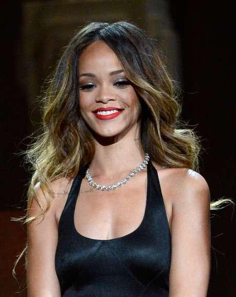 Rihanna es agredida por una fan en Londres