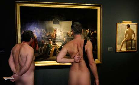 "<p>The exposition debuted on February 19, with approximately 200 nudists attending the Leopold, to contemplate, without textile barriers, the exhibition ""Nude Men,"" about the history of the representation of the male body in art. This particular art show is restricted to adults and only open at night.</p>"