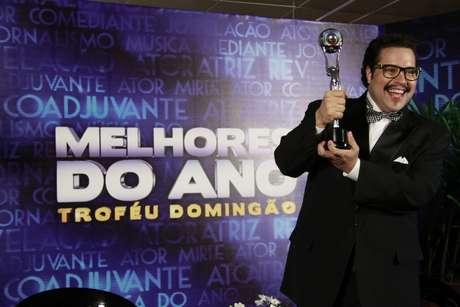 <p>Famosos participam da 17° edição do prêmio 'Melhores do Ano', no Domingão do Faustão. Tiago Abravanellevou o trófeu de ator revelação</p>