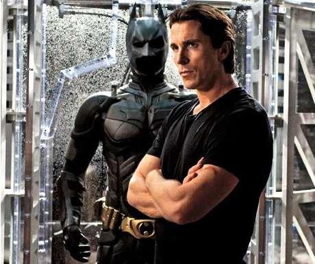 <p>Christian Bale y su papel en 'Batman: The Dark Knight Rises' le dieron la nominación a otra de las categorías alocadas de los premios, 'Mejor Actuación Sin Camisa'.</p>