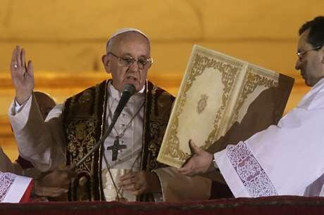 Entre las actividades del papa argentino Jorge Bergoglio, se encuentran audiencias con los cardenales, medios de comunicación, y su primer Ángelus del próximo domingo.