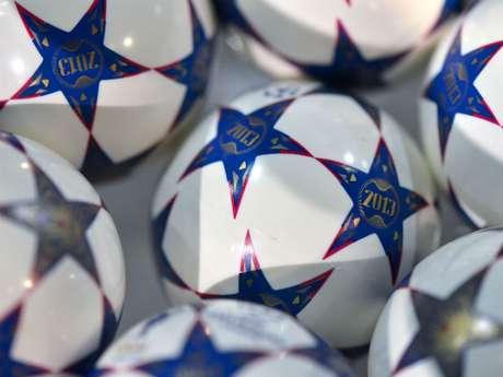 Las pelotitas del sorteo, agrupadas en los bombos para escoger a los equipos.