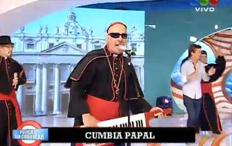 """La Cumbia papal fue presentada en el programa argentino """"Peligro sin codificar""""."""