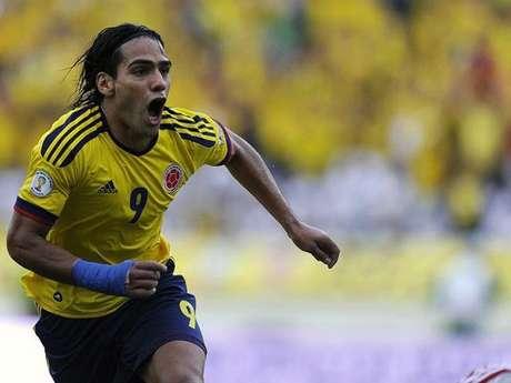 Radamel Falcao, atacante del Atlético de Madrid, celebra un gol con la selección de Colombia