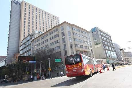 La única ruta del Metrobús que no subió su tarifa es la que va al AICM, que mantendrá su cobro de 30 pesos.