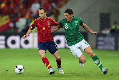 Iniesta y Andrews en el España-Irlanda de la pasada Eurocopa.