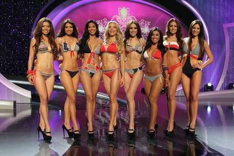 Ocho candidatas sobreviven al más intenso reality show de la temporada, Nuestra Belleza Latina, quienes buscan llegar a la final por la séptima corona del certamen y un premio de enfectivo de 250 mil dólares ¿Quién de ellas podría llevárselos?