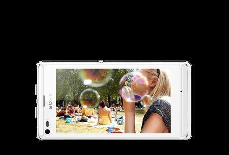 Xperia L possui câmera de 8MP com sensor Exmor RS para fotos e vídeos em HDR Foto: Divulgação