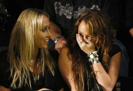 "<p>Miley y su madre Leticia ""Tish"" Cyrus.</p>"