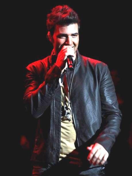 <p>Jeancarlos Canela dijo que el lanzamiento de su nuevo disco será en agosto.</p>