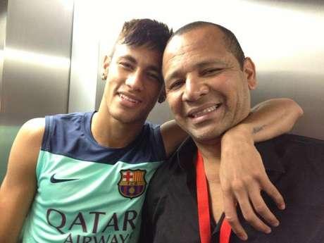 Pai de Neymar defende filho de acusação de sonegação de impostos